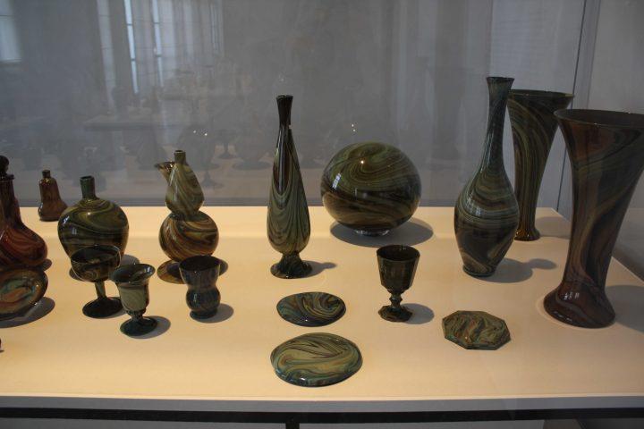 esempi di vetro imitante il calcedonio