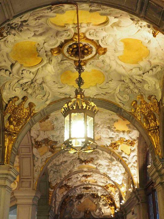die goldene Treppe von einer anderen Perspektive
