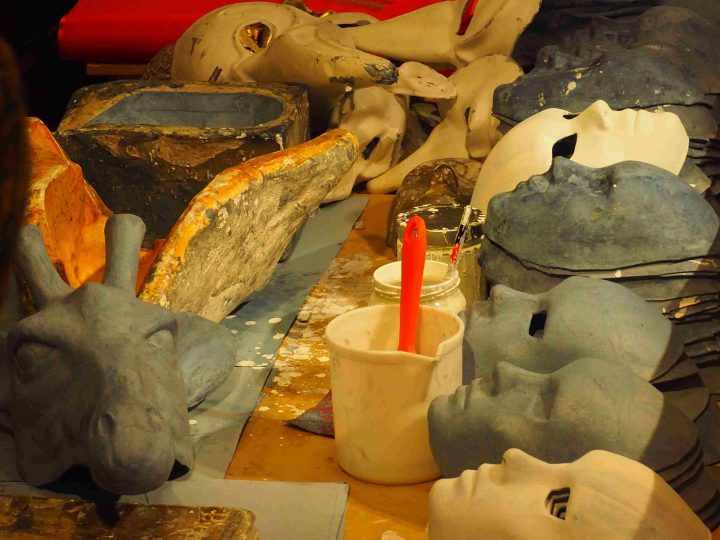 detaching dried masks from moulds