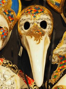 variations to the mask of the Doctor of Plague