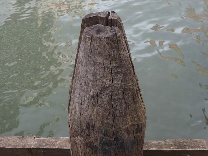 example of a bollard, palina