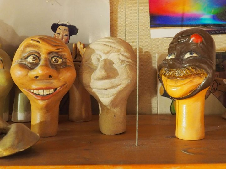 mens' heads