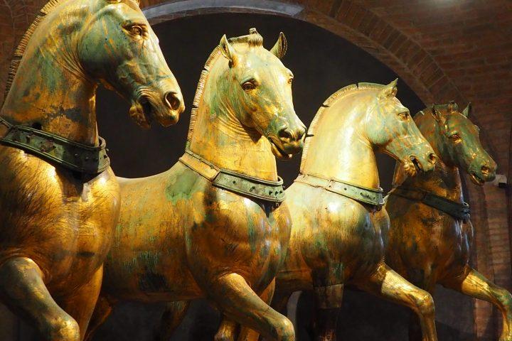 die vier bronzenen Pferde