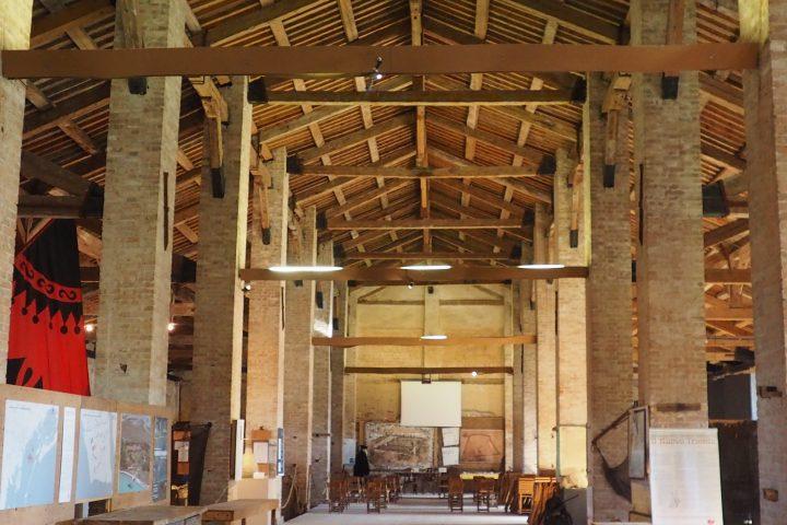 das Innere vom Tezon Grande mit dem originalen Fussboden aus Backstein