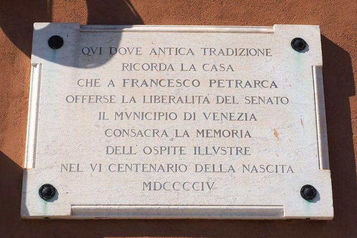 targa che ricorda il soggiorno di Francesco Petrarca a Venezia